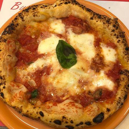 Pizzeria davvero molto buona,