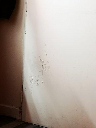 porte intérieure de la chambre