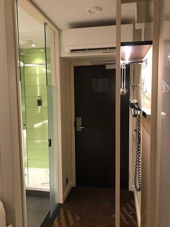 Blick auf die Zimmertür