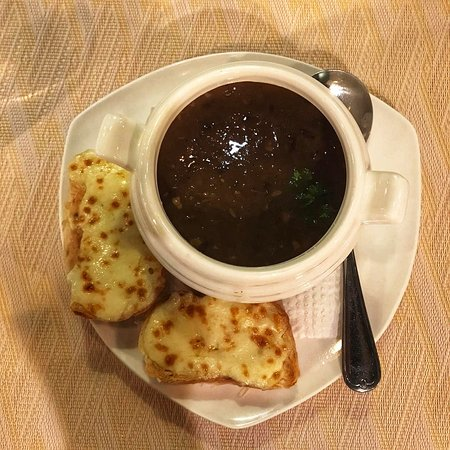 Caramelized onion soup + garlics cheese bread, pull beef sandwich (5-star), lamb ribs.