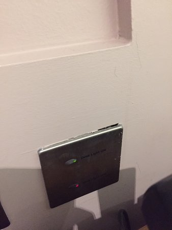 oh look, another dodgy socket