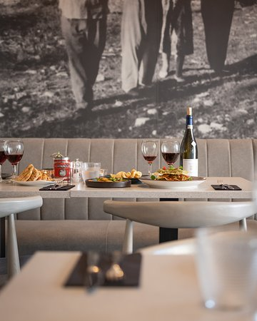 Nostos is a top restaurant in Brighton and Hove, with a great variety of vegan, vegetarian, seafood and meat options. One of the nest breakfast and brunch establishments in Hove