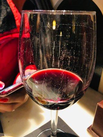Copo de vinho parecia sujo ou riscado