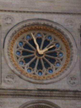 Il rosone-orologio