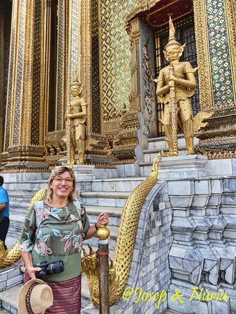 One of the entrances of Phra Mondop at Emerald Buddha Temple