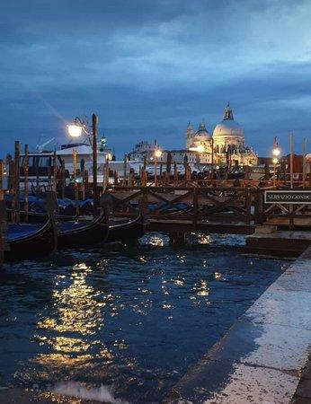 Venecia, Italia: acqua alta 2019