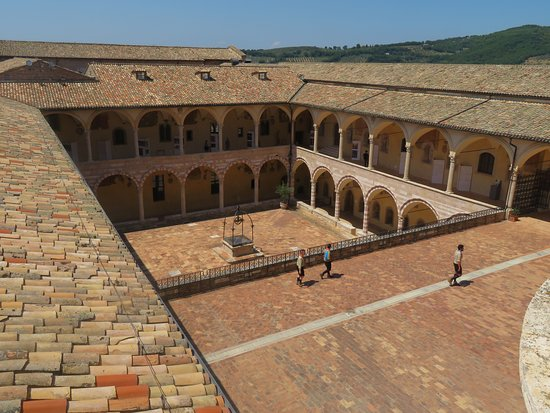 Open courtyard of the Sacro Convento Friary to the rear/west of the Basilica - built over a period >250 years from 1230-on.