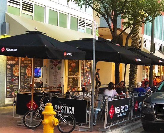 Pizza Rustica Downtown Miami Location