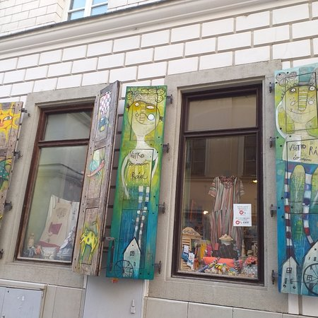 Detalhe interessante da fachada da loja Twigi.