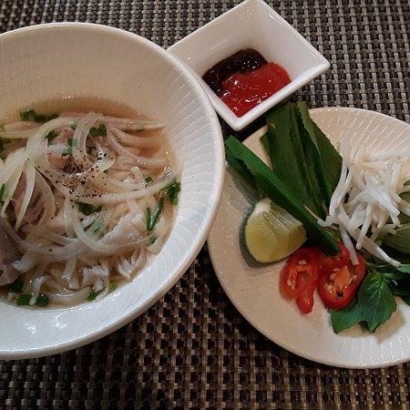 Ciudad Ho Chi Minh, Vietnam: Pho Bo (Beef Noodles Soup), quite possibly Vietnam's most famous dish.