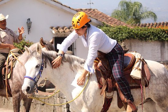Descubre el bello pueblo mágico de Teocelo en una bella cabalgata, con caballos hermosos.