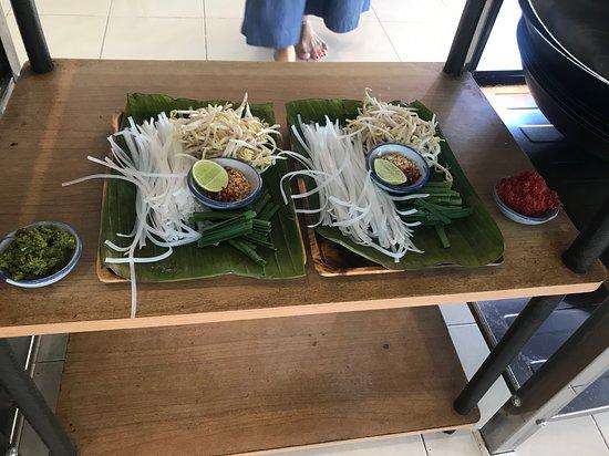 Phuket Thai Cooking Class: Pad Thai in the making.