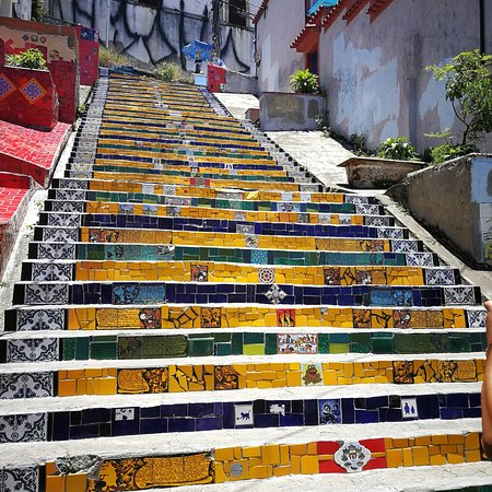 Very beautiful steps. The place is not that crowd as I thought.
