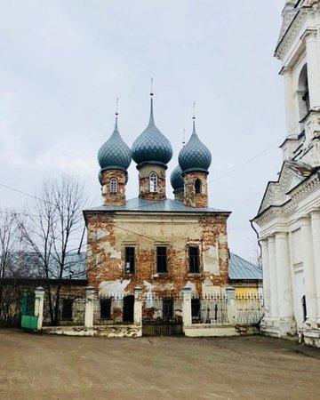 Yuryevets, รัสเซีย: А рядышком - колокольня!!!
