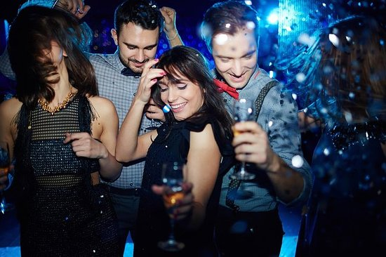 Edinburgh: New Year's Eve Warm Up Pub Crawl & New Year's Eve After Party