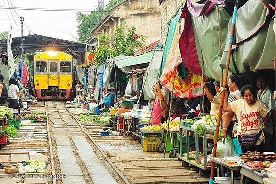 Drijvende markt en spoorwegmarkt