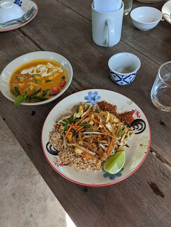 Pad Thai and red curry