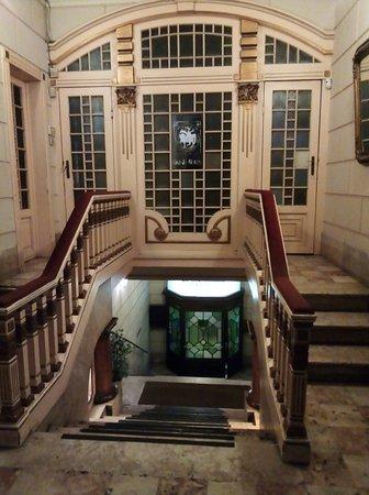 Scalinata di ingresso al primo piano