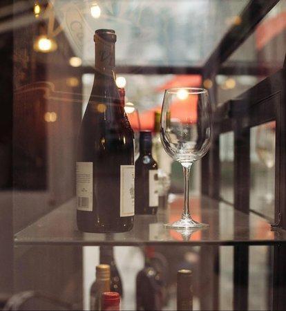 Quienes son amantes del buen vino, venga a conocer esta cava!