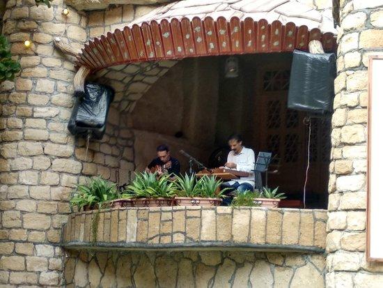 Kish Island, Iran: Live music