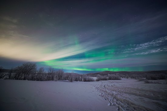 Север России - поистине волшебное и загадочное место! В полярную ночь над Кольским полуостровом постоянно играет фантастическое Северное сияние! ---------------- The north of Russia is truly a magical and mysterious place! In the polar night over the Kola Peninsula, the fantastic Northern Lights constantly play!