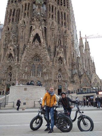 Visiting the beautiful Sagrada Familia with our FAT E-BIKE.