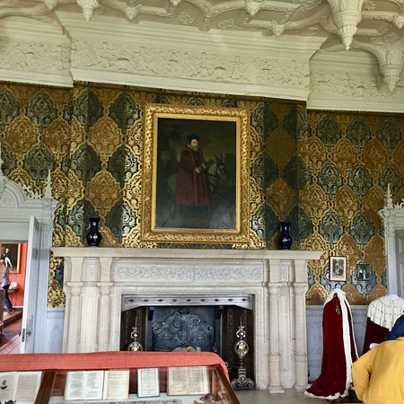 Broughton Castle: The Great Parlour Lobby