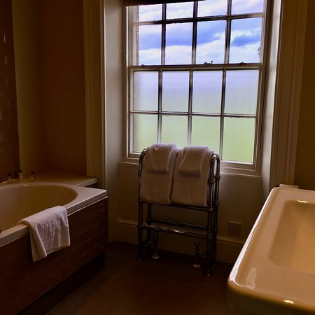 The Victoria Inn, Holkham: My Bathroom (Room 1, Hare Clump)