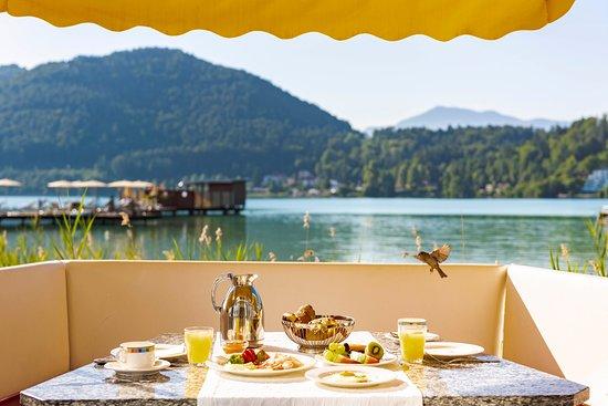 Frühstück auf der Seeterrasse, Hotel & Spa Sonne****