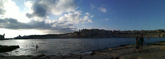 Panorama sulla capitale dalla piazzola sotto il forte Sant'Angelo