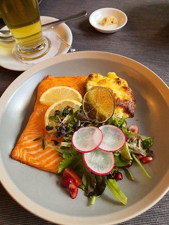 лосось в ресторане Plavas