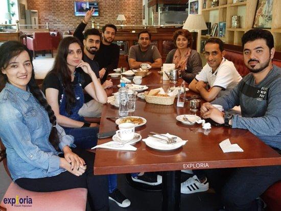 אסלאמאבאד, פקיסטן: At English Tea House