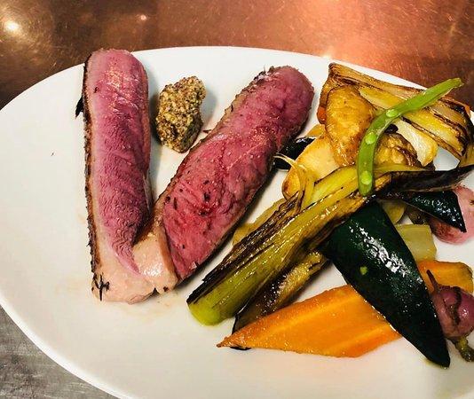 plats du jour canard-cocotte de légumes.