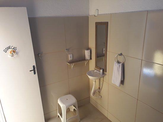 Quarto Individual Básico com banheiro compartilhado - Pousada Boneca de Pano