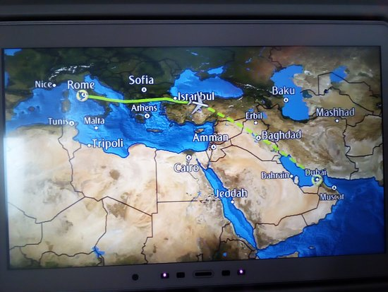 Emirates: During flight from Rome to Dubai in the way to Kolkata