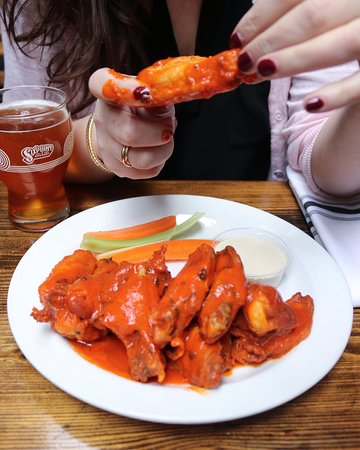 Tavern 29's famous hot wings