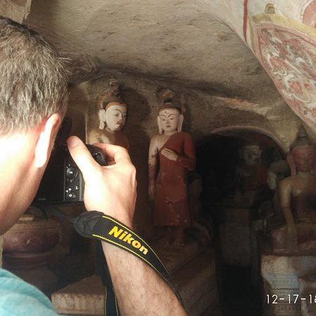 Monywa sightseeing with friendly couple from Russia