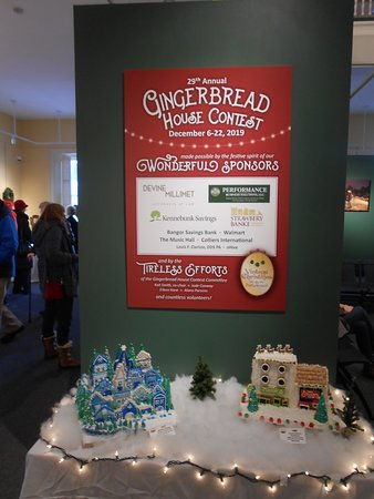 Poster for the gingerbread house contest.