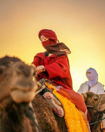 我們在摩洛哥度過了愉快的時光. 我們強烈建議 Morocco Tabiarte tours ( Moha )