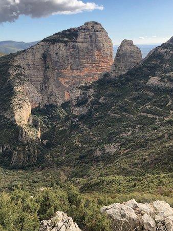 Sabayes, Испания: Majestuoso y puro rincón de la sierra de GUARÁ a escasos minutos de la linda ciudad de Huesca! No te lo pierdas
