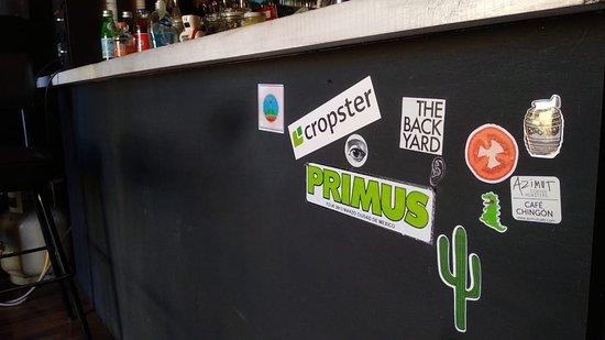 Traigan sus stickers para pegarlos en nuestra barra y reciban un descuento (: