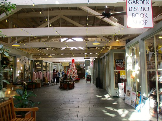 Shops in The Rink