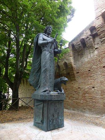 Monumento a Federico II : Jesi, Monument to Frederick II