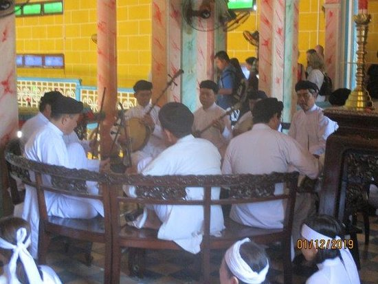 Day Trip to Cao Dai Temple and Cu Chi Tunnels, Including Lunch: musicians