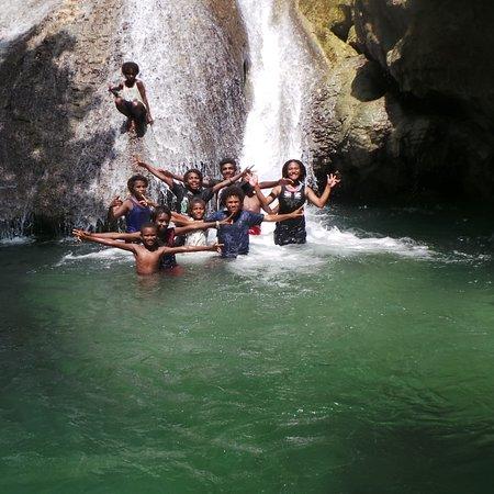 Vanimo, Papua-Neuguinea: Mambudu waterfall, Waramo village