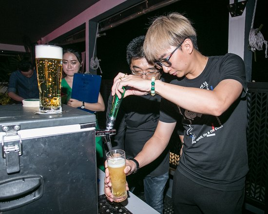 Heineken Star Pour Experience