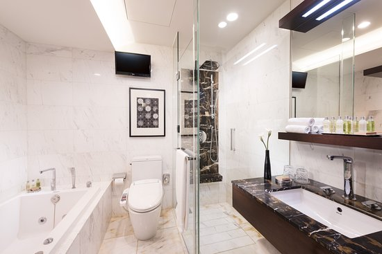 Parkhill Duplex Suite - Bathroom