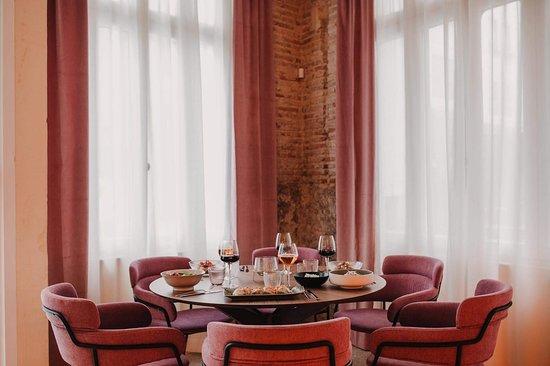 El Restaurante Helen Berger crea un entorno sofisticado y acogedor en el mismísimo centro de Valencia.