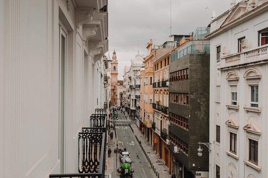 Restaurante Helen Berger se encuentra en la emblemática calle Comedias 22, en el corazón del centro histórico de València.