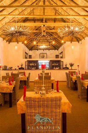 Elandela River View Lodge Bar & Dining area